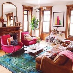 Home Interior Salas .Home Interior Salas Colourful Living Room, Eclectic Living Room, Paint Colors For Living Room, Living Room Designs, Living Room Decor, Vintage Living Rooms, Colorful Rooms, Colorful Decor, Style At Home