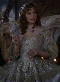 Milla Jovovich Milady de Winter Beautiful Costumes, Beautiful Gowns, Movie Costumes, Cosplay Costumes, The Three Musketeers 2011, Milady De Winter, 17th Century Fashion, Creative Costumes, Milla Jovovich