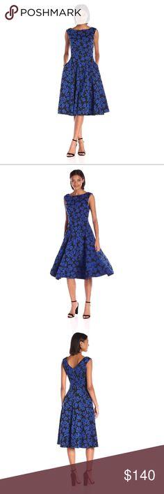 😍Betsey Johnson Rose Knit Jacquard Dress So beautiful and comfy 😍💕 I absolutely love the pockets 💕🌷Super flattering 💕 Betsey Johnson Dresses Midi