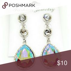 Beautiful Crystal Earrings 💖Brand new item! 💖Used to have a fashion store at the mall, 💋💄👓💍⌚but recently decided to go back to college 🏩to get my Nursing degree 🎓so now I just sell from home. 🤗 Jewelry Earrings