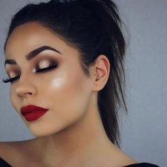 Glam Makeup Red Lips Julakutuhyco Make-up-Ideen mit rotem Lippenstift - Makeup Ideas # Glam Makeup, Formal Makeup, Makeup Tips, Beauty Makeup, Hair Makeup, Makeup Ideas, Makeup Brands, Makeup Hacks, Makeup Tutorials