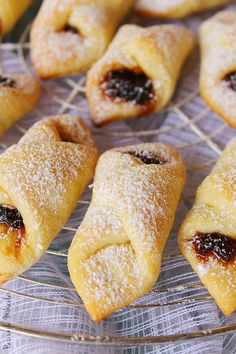 Fluffy Cornulete Jam (in Romanian, with translator) Romanian Desserts, Romanian Food, Jam Roll, My Recipes, Cooking Recipes, Cookie Cake Pie, Bread And Pastries, Savoury Cake, Doughnut