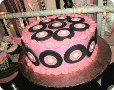 Vinyl Record Cake Record Cake, 25th Birthday, Occasion Cakes, Audiophile, Let Them Eat Cake, Elvis Presley, Cake Cookies, Vinyl Records, Amazing Cakes