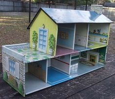 metal doll house I remember playing with this at my Grandmothers house