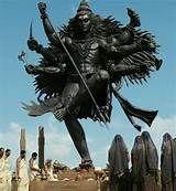 Shiva, Modern statue announcing Nataraja. Rudra Shiva, Mahakal Shiva, Lord Shiva Hd Images, Shiva Lord Wallpapers, Hanuman Images, Angry Lord Shiva, Shiv Tandav, Yoga, Religions Du Monde