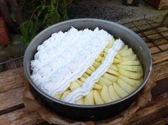 Apfelkuchen mit Marzipan und Baiser