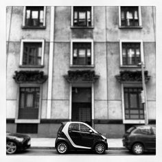 smart ForTwo. #car #smart #architecture #london