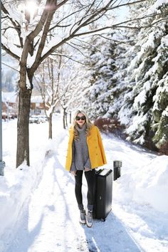 Travel outfit // aspen travel, atlantic pacific, blair eadie, airport outfit ideas