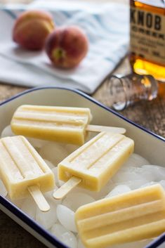 Bourbon White Peach Popsicles - Boozy Popsicles For Summer - Photos Frozen Desserts, Summer Desserts, Frozen Treats, Just Desserts, Dessert Recipes, Summer Recipes, Drink Recipes, Baking Recipes, Peach Popsicles