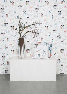 Motif Kokeshi & Robot designed BY MAY.  #tapet #wallmural #swedishdesign #pattern #wallpaper #cute