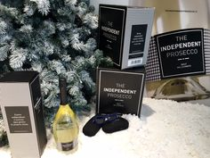 The #stylish #protagonist of your #Christmas #parties #TheIndependentProsecco by #Fantinel and #ItaliaIndependent #prosecco #bubbles #toast #cheers #celebrate #holidays #christmastree #snow #eyewear #sunglasses #fashion #glamour #luxury #classy #lifestyle