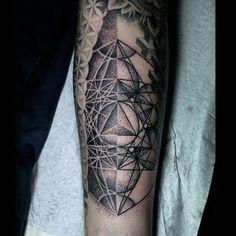 Redberry Tattoo Studio Wrocław #tattoo #inked #ink #studio #wroclaw #warszawa #tatuaz #dresden #redberry #katowice #redberrytattoostudio #amazingtattoo #poland #berlin #dagna #dagnawrazen #wrazen #dots #dotwork #geometric #precise #mandala #black