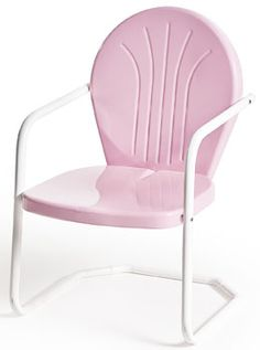 Buy Retro Metal Lawn Furniture Here - Bellaire Metal Lawn Chair - For the patio,yard,pool or porch! Buy Retro Metal Lawn Furniture Here - Bellaire Met. Vintage Metal Chairs, Metal Patio Chairs, Vintage Patio Furniture, Diy Garden Furniture, Porch Furniture, Garden Chairs, Pink Outdoor Furniture, Luxury Furniture, Porch Chairs