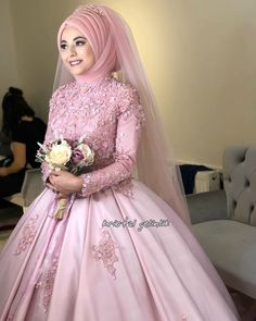 Mutluluklar dileriz hatice cim You will find different rumors about the annals of the marriage dress; Muslim Wedding Gown, Muslimah Wedding Dress, Hijab Style Dress, Muslim Wedding Dresses, Muslim Brides, Muslim Dress, Pakistani Bridal Dresses, Wedding Gowns, Wedding Hijab Styles