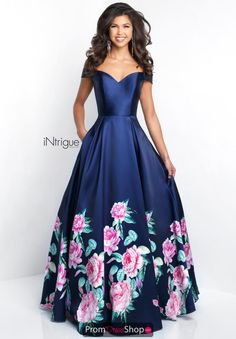 Shop for Blush prom dresses and evening gowns at Simply Dresses. Blush sexy long prom dresses, designer evening gowns, and Blush pageant gowns. Indian Gowns Dresses, Ball Gown Dresses, Evening Dresses, Blush Formal Dresses, Blush Prom Dress, Pretty Dresses, Beautiful Dresses, Floral Print Gowns, Floral Prints