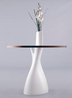 Стол с вазой Treeangle
