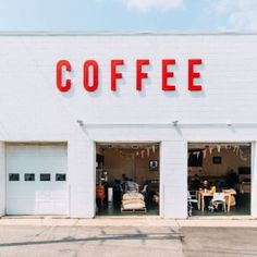 Bold lettering / idea for Coffee shop/Gallery facade. Bar Design, Coffee Shop Design, Display Design, Store Design, Truck Design, Design Ideas, Coffee Shops, Coffee Cafe, Nyc Coffee