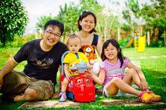 """Foto kiriman Lenny Wati   """"WE-fie"""" sehabis bermain bersama anak di play ground #FotoKeluargaEMCO"""
