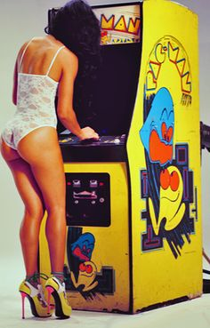 Vintage Arcade Ad - Sexy chick in heels playing Pac Man Pac Man, Steam Punk, Lingerie Vintage, Lacy Lingerie, Pin Up Lingerie, Bridal Lingerie, Bartop Arcade, Flipper, Vintage Video Games