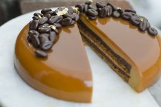 Step-by-step guide to a beautiful eclipse espresso caramel entremet (multi layer mousse cake) using a Silikomart mold. Delicious and fancy! Receita Trifle, Espresso And Cream, Cake Recipes, Dessert Recipes, Creamed Honey, Mousse Cake, Food Cakes, Cooking Recipes, Sweets