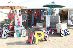 <3 Vintage letters - round top, tx (would love to go to this flea market...but then I'd have to get on a plane)