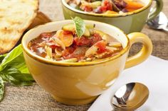 Just Throw It All In The Slow Cooker! This Minestrone Recipe Couldn't Be Easier! | 12 Tomatoes