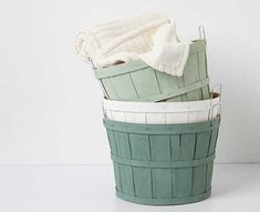 Orchard basket DIY - Home decor color palette #madaboutcolor idea inspired by Martha's vintage collectibles! Get #DIY ideas with Martha Stewart #Crafts Vintage Decor paint @Martha Stewart Crafts #plaidcrafts @michaelsstores