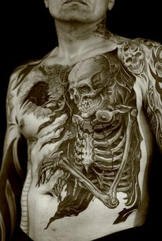 Skull tattoos for guys are probably one of the most popular subjects when it comes to tattooing. Check out the best skull tattoo gallery. Tattoos Motive, Tattoos Masculinas, Great Tattoos, Skull Tattoos, Trendy Tattoos, Beautiful Tattoos, Body Art Tattoos, Tattoos For Guys, Tattoos For Women