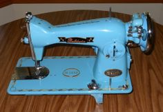 Baldwin Deluxe Sewing Machine | Collectors Weekly