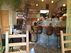 More info here http://www.25cafes.com/2012/05/28/olu-olu-cafe-hawaiian-smoke-free-no-smoking-vegetarian-tokyo-japan/ Charming Hawaiian Cafe in Tokyo, Japan @25 Cafes