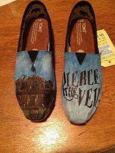 Pierce the Veil custom TOMS by on Etsy Pierce The Veil, Tony Perry, Cheap Toms Shoes, Toms Shoes Outlet, Cute Shoes, Me Too Shoes, Tom Shoes, Cannes, Mode Renaissance