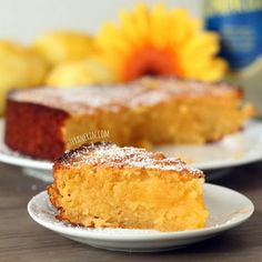 Grain-free Italian Lemon Cake (Torta Caprese Bianca) - made with almond flour and full of lemony goodness! | texanerin.com