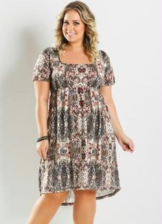 Vestido Mullet Estampa Animal Print Plus Size - Marguerite Curvy Girl Outfits, Curvy Girl Fashion, Plus Size Fashion, Plus Size Summer Dresses, Plus Size Outfits, Unique Prom Dresses, Short Sleeve Dresses, Burgundy Evening Dress, Vestidos Plus Size