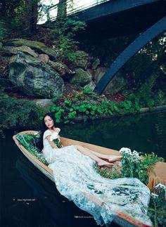 Models: Jay Shin (Wilhelmina), Jin Chen Hong (Muse) & Yue Han (Major Paris) Editorial: Flora Dreams Magazine: Elle Vietnam, January 2013 Photographer: Bobby Nguyen Stylist: Phuong My Hair: Stefano Galati Makeup: Daria Slusarczyk
