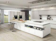 Uma cozinha clean e ampla para reunir a família! #cozinha #ampla #branca #clean #decoração #casa #imóvel