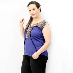Regata Blue Inca Pompom Regata Plus Size em crepom azul royal pala com tecido bordado e contornado com pompons Um doce esta regata! Marca VIKCTTORIA VICK PLUS SIZE #tunicaplussize #plussize #modaplussize #modaplussizebrasil #mulherplussize #mulheresplussize #tamanhogrande #vickttoriavick #modaplussizebr #plussizebrasil #plussizefashion #modagg #moda #fashion #feitonobrasil #plussizes #plussizebr #gordinhasdobrasil #modafemininaplussize #somosplussize #lojaplussize #lojafeminina…