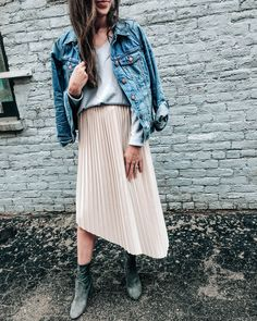 pleated midi skirt and booties, sweater for fall || pretty in the pines blog