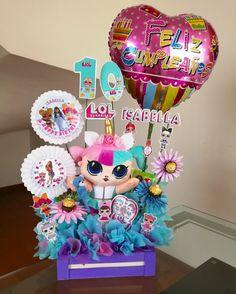 Birthday Basket, Diy Birthday, Birthday Presents, Kids Gift Baskets, Wood Gift Box, Balloon Gift, Pokemon Birthday, Candy Bouquet, Bff Gifts