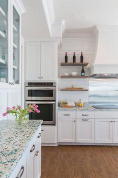 cocina con encimera de granito - El top 3 en encimeras de cocina: granito, mármol sintético y madera