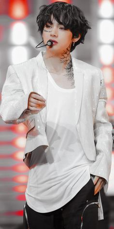 """Kim Taehyung - BTS - Performing """"On"""" from Map of the Daegu, Bts Jungkook, Foto Bts, V Bta, Bts Kim, V Bts Cute, V Bts Wallpaper, Billboard Music Awards, Bts Lockscreen"""