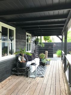 Tuin – Binnenkijken bij wendy_studiozinnig – Caitlin J. Backyard Patio Designs, Pergola Designs, Pergola Patio, Backyard Landscaping, Urban Garden Design, Garden Design Plans, Outdoor Spaces, Outdoor Living, House Cladding