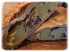 Strudel Salato di Pasta alla Ricotta farcita con Funghi Pioppini e Pancetta Affumicata