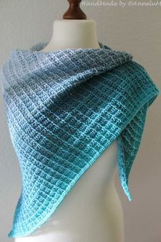 Tuch Fareth mit Blauer Lagune gehäkelt Scarves - Fashion Tips From Solid Color Scarves In wintry wea Outlander Knitting Patterns, Poncho Knitting Patterns, Knitting Socks, Crochet Patterns, Crochet Scarves, Knit Crochet, Prayer Shawl Patterns, Crochet Prayer Shawls, Diy Scarf