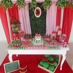 Super criativo  festa Melancia para um chá de fraldas❤️ By @adwytila  #adoletafesta #chadefraldas #melancia #festamelancia #chadefraldasmenina #chadefraldasaf Paris Birthday, Birthday Brunch, Baby Girl Birthday, 1st Birthday Parties, Watermelon Birthday Parties, Watermelon Baby, Fruit Party, 1st Birthdays, Baby Party