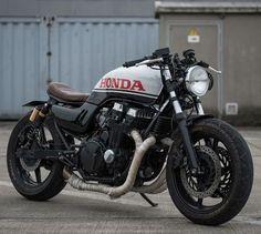 (@caferacergram) 'Orphorce One' Honda CB750