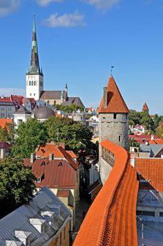 Tallinn - Estonia (by Dennis Jarvis)