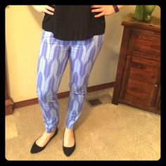EUC! Blue Patterned J. Crew Skinny Jeans - S I absolutely love the pattern on these J. Crew Skinny Jeans! Beautiful blues that make your legs look awesome. Cannot find size tag but I am a 6/8 and they are too tight on me so I would say they would fit a small better. Can provide measurements if needed. Gentle wear with no major issues. Material: 98% cotton, 2% spandex. 13dec15a4gwk J. Crew Pants