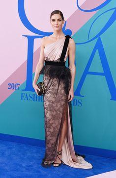 CFDA Fashion Awards at Hammerstein Ballroom on New York City - Hilary Rhoda in Marchesa Cfda Awards, Awards 2017, Celebrity Red Carpet, Celebrity Look, Hilary Rhoda, Red Carpet Dresses, Red Carpet Looks, Marchesa, Red Carpet Fashion