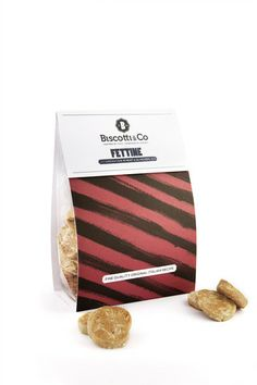 Fettine- this biscotto goes in pair with hot chocolate or cappuccino. Italian Style, Biscotti, Hot Chocolate, Coffee, Kaffee, Crockpot Hot Chocolate, Cookie Recipes, Cup Of Coffee, Coffee Art