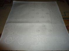 """Vintage Set of 3 Irish Linen Napkins.  22"""" X 21"""". Floral. #Unbranded"""